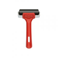 Rubber roller with a plastic red handle 7.5 cm