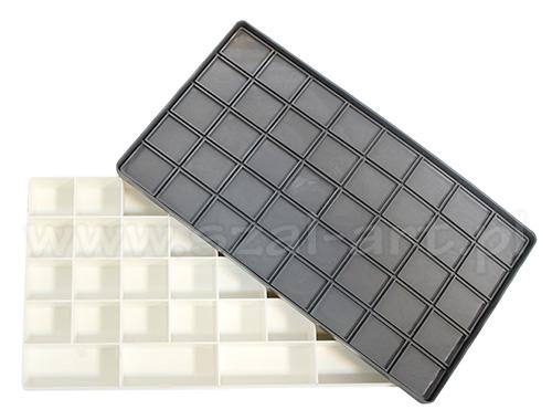 Paleta plastikowa prostokątna zamykana 29x16cm (36 komór)